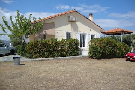 Country house in Evia - Orio