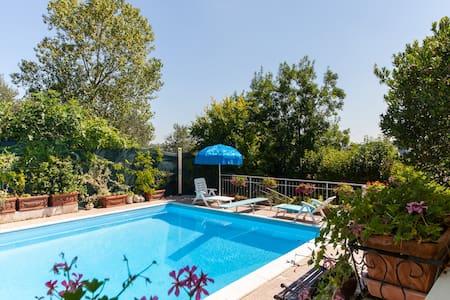 villa singola panoramica e piscina - Gradara