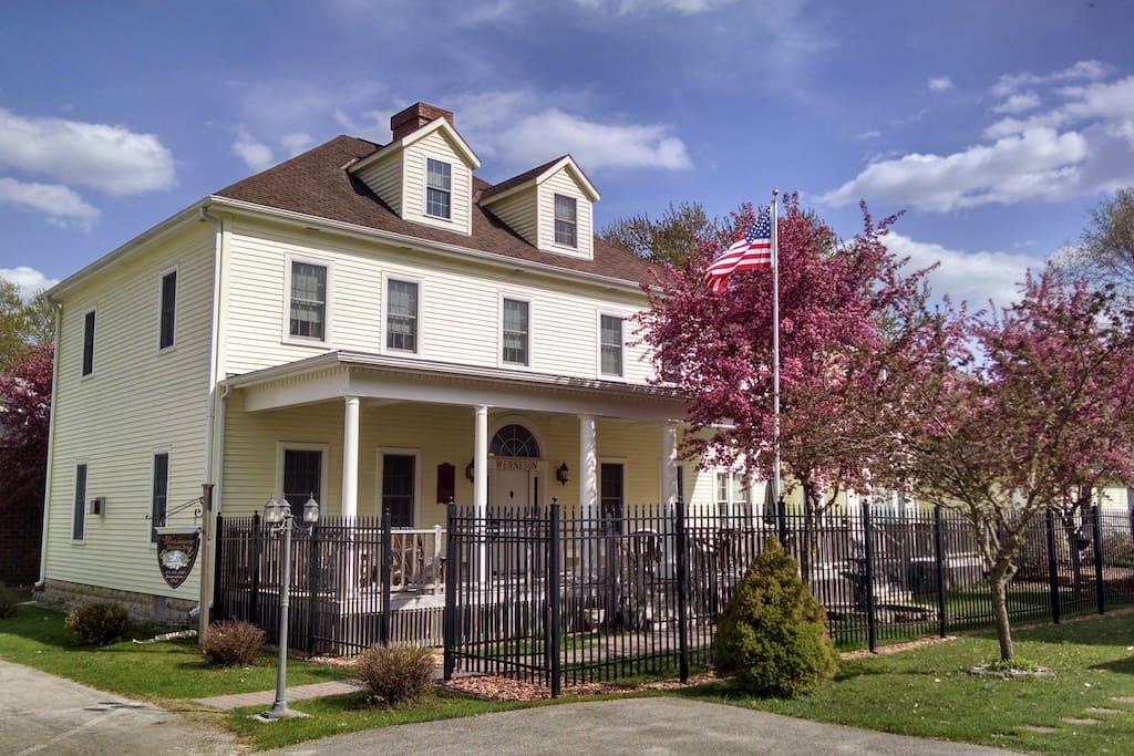 Andor Wenneson Historic Inn - Spring in Peterson, Minnesota