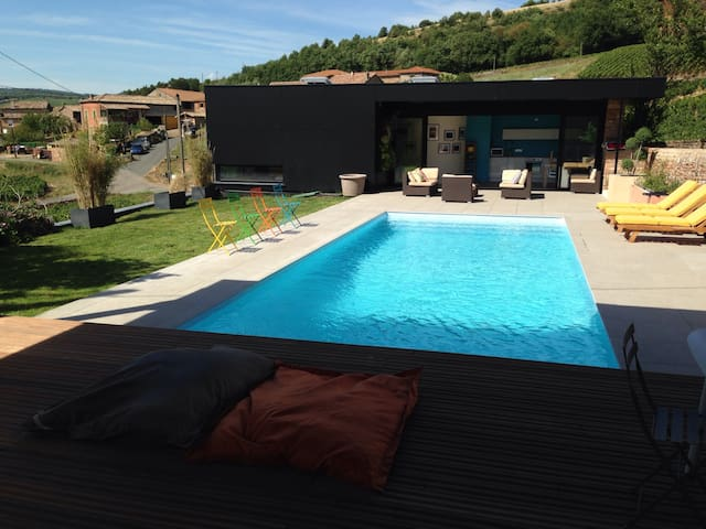 loft avec piscine et vue - leynes - Loft