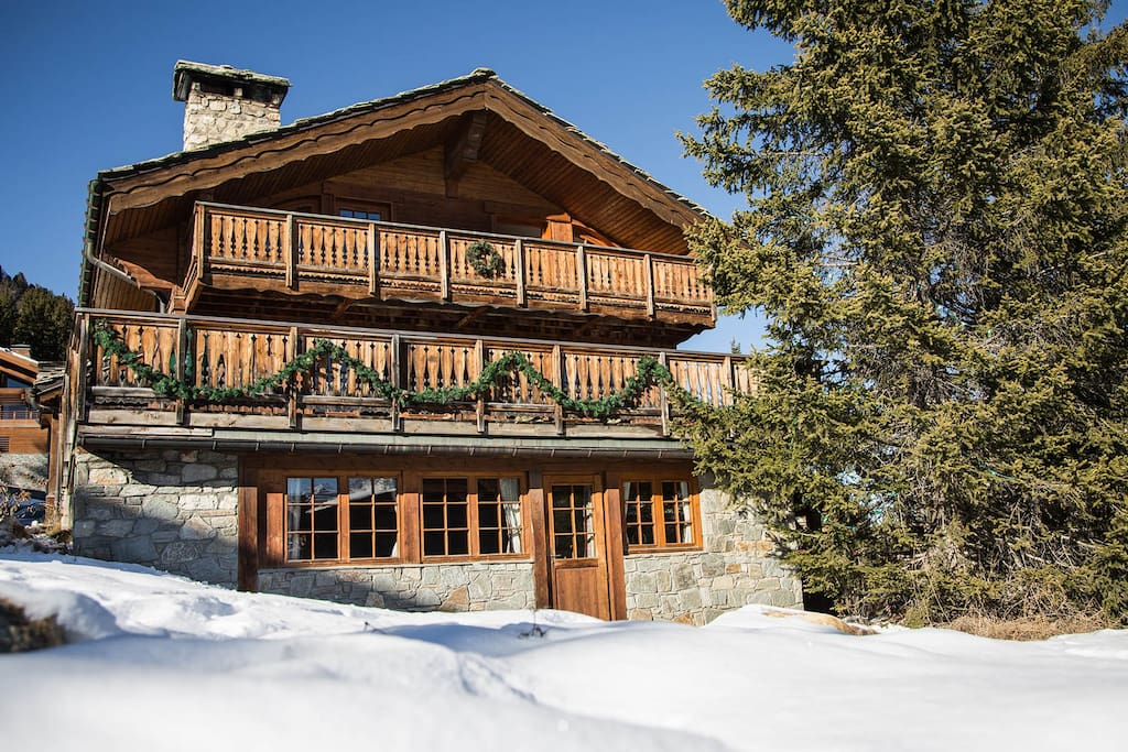La Maisonnée B - Ground floor of this ideally located chalet (ski in - ski out)