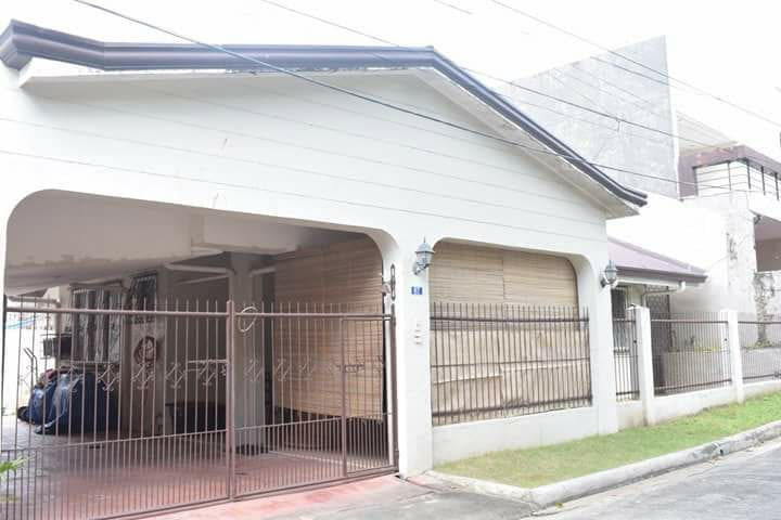 Compete House in one of Cebu's  best Subdivisions - Mandaue City - House