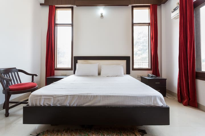 563 Residency' Guest House - Gurgaon - Bed & Breakfast