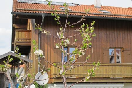Haus in sehr ruhiger Lage nahe M - Otterfing - Dům