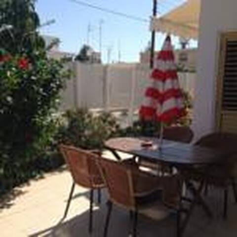 city center garden house - Larnaca - House