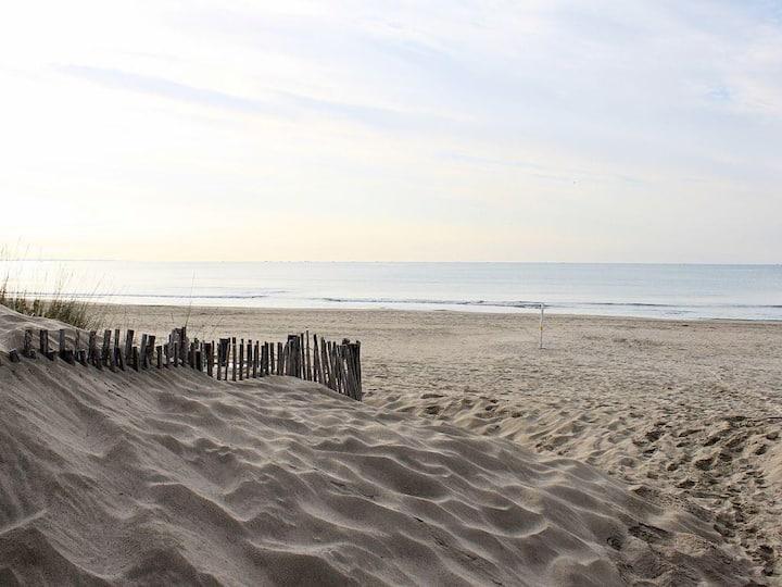 La Grande Motte à 150m de la plage, Wi-Fi.
