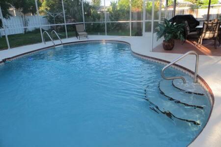 Bonita Springs with Heated Pool 3 minutes to ocean - Bonita Springs - Villa