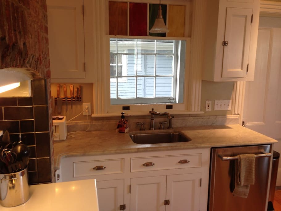 Spacious 1 br walk to beachshops apartments for rent in for 1 kitchen asbury park nj