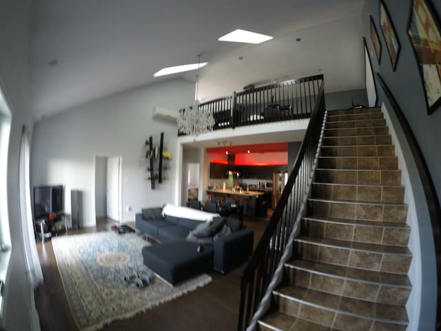 Loft, 20ft ceilings, 2000sqft - Gatineau - Condominium
