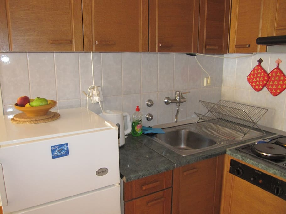 kitchen - small enough to keep it  clean easy but still well equipped