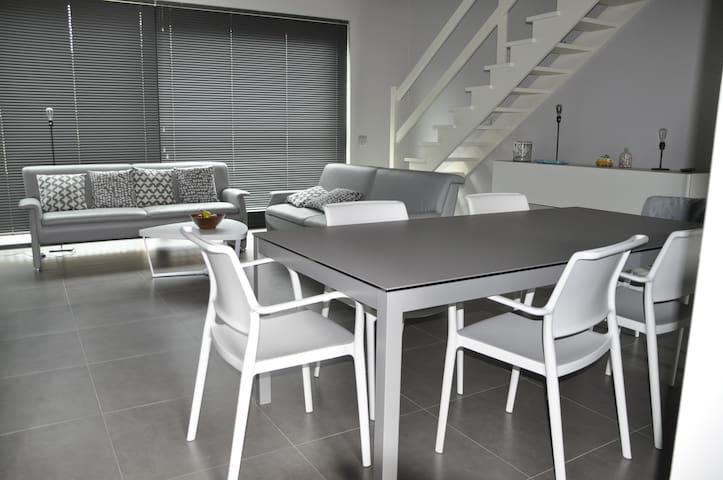 Duplex op mooie site nabij strand - 3 slaapkamers - Oostende - Apartament