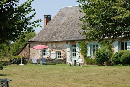 Gîte des Chaises Basses - Orgnac-sur-Vézère - Rumah