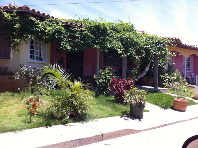 10 minutes from Airport and Yaque - Margarita Island - Casa