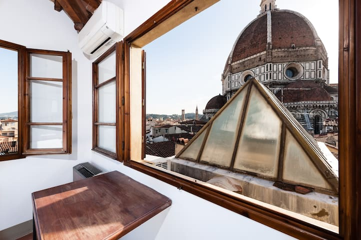 Duomo View Great Apartment  N.°309 - Florence - Apartment