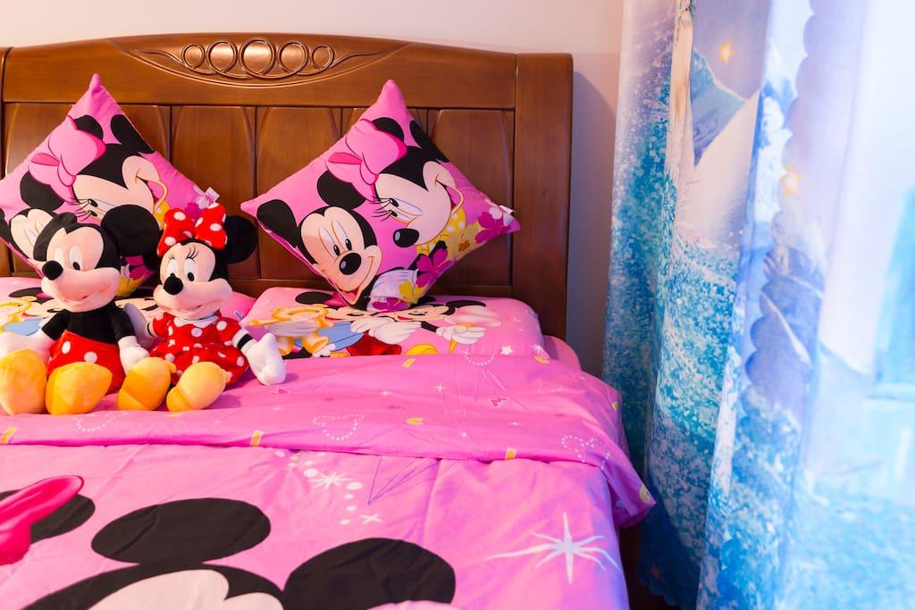 冰雪奇缘儿童房,正版迪士尼的床上用品