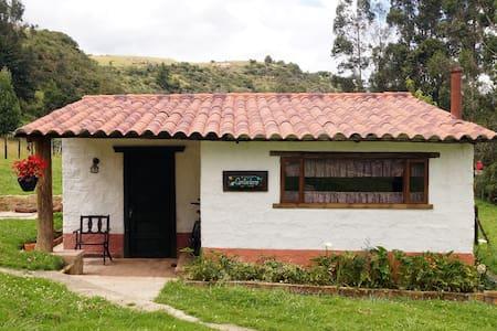 Cantaclaro: ¡Una casa campestre espectacular! - Guasca