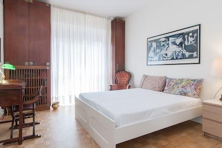 La Maison Pasteur B&B Aurora room - Mailand