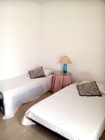 Private Room in Modern Apartment - Gzira - Lägenhet