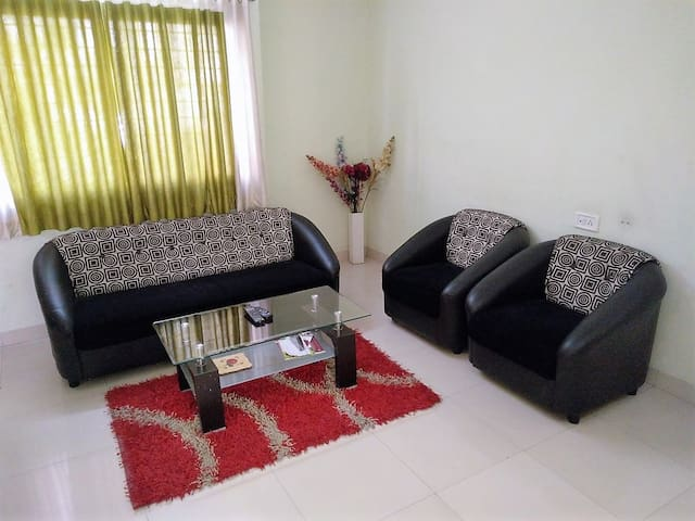 Peaceful Flat in Peaceful Locality - Pune