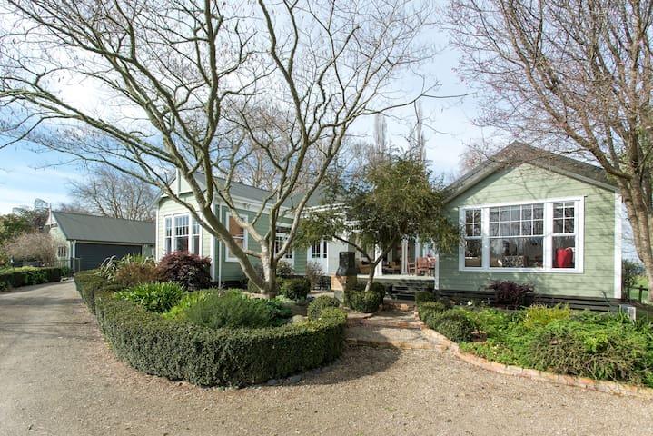 Little Villa - Country Guesthouse - เคมบริดจ์