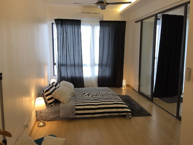 Sea view spacious condominium - Butterworth