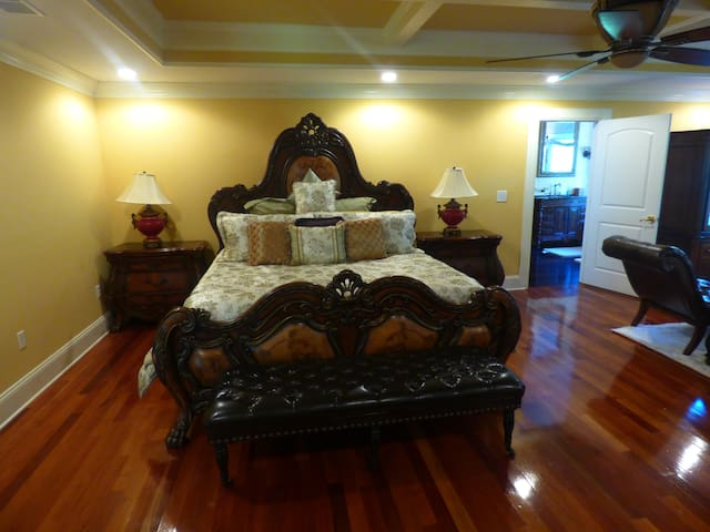Gated- 5BR/4.5BA House - Venue Booking Allowed