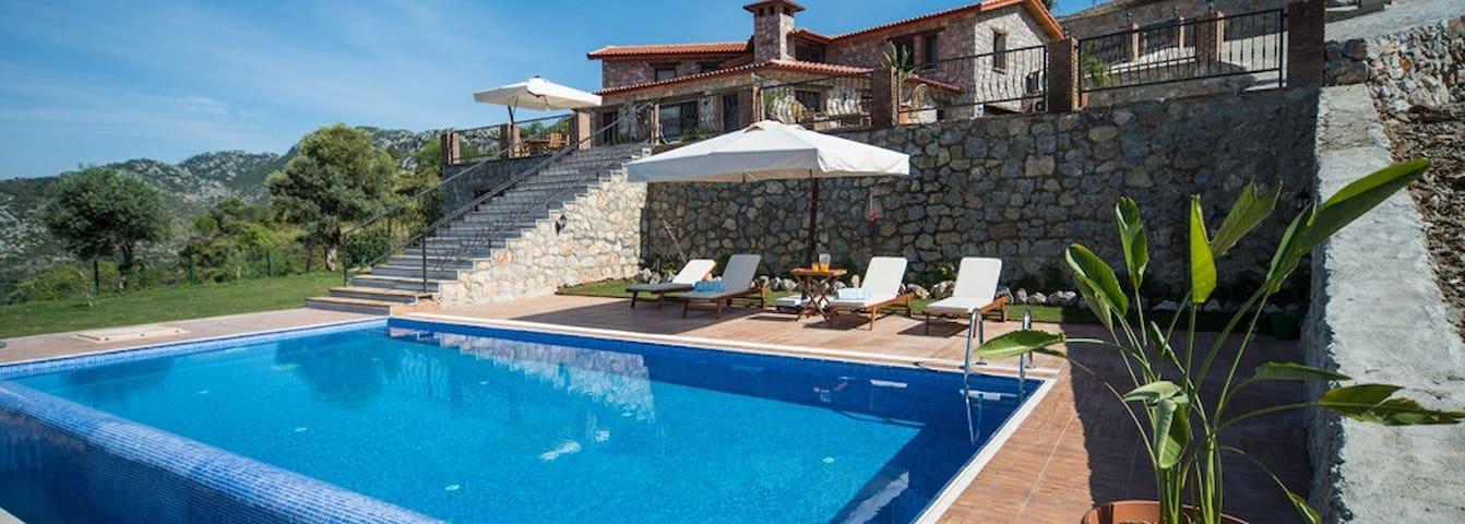 Massi House - Selimiye - House