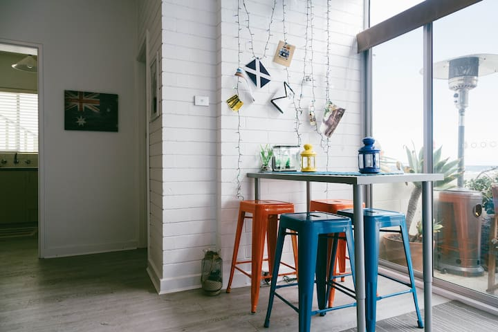 Cosy room by the ocean. - West Beach - Wohnung