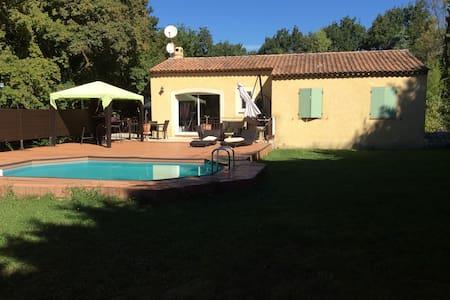 Villa + piscine proche luberon - Le Puy-Sainte-Réparade - Willa