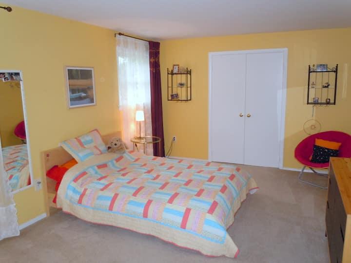 Private room w/bath, quiet&near DC