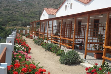 Nature lovers perfect base rooms - Ikaria - Inap sarapan