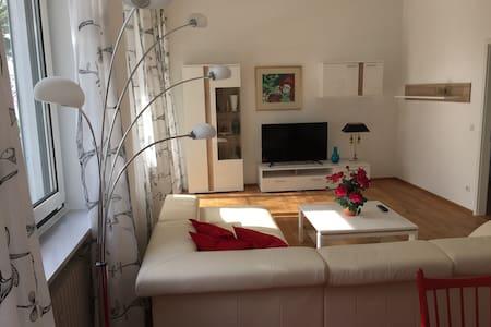 Moderne Ferienwohnung in Starnberg