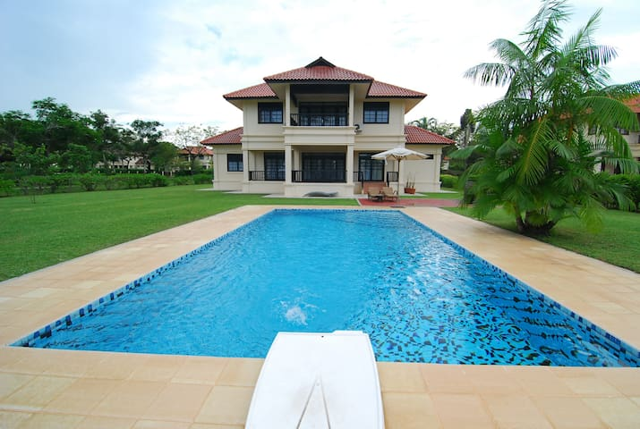 Beach Villa - Private Swimming Pool