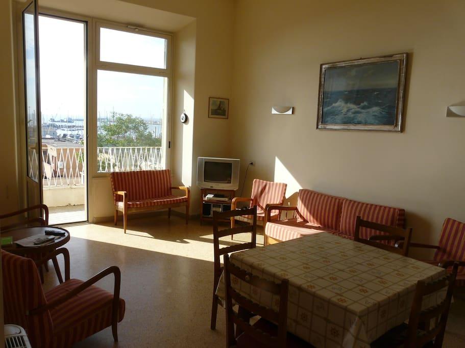 Living room (facing balcony)