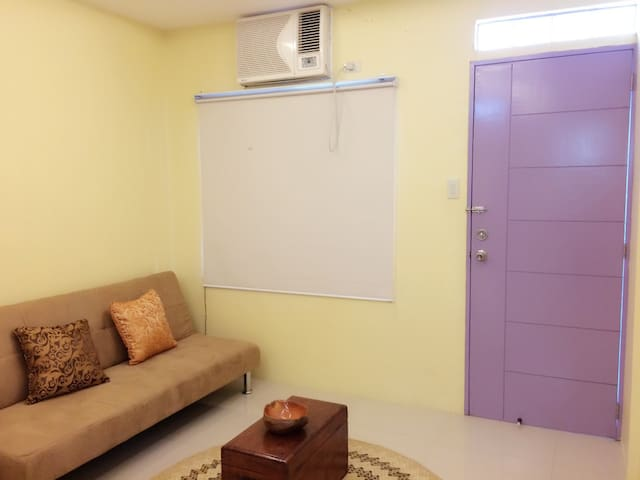 Private Fully Furnished Studio - Malvar - Huoneisto