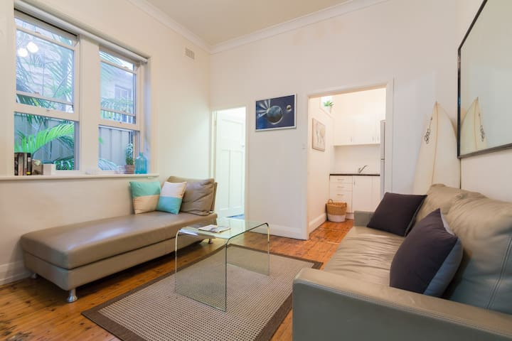 Manly Beach Apartment footsteps to beach and shops - Manly - Wohnung