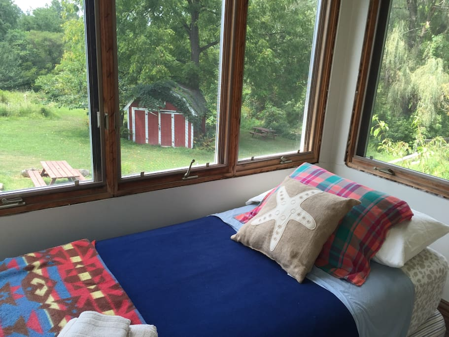 trout creek chat rooms Dawsons game and trout lodge, near  african colonial home with eight individually styled luxurious rooms  at the homestead or creek.