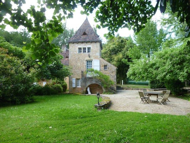 Moulin de l'énéa /Gîte 4/6 pers - Carsac-Aillac - House