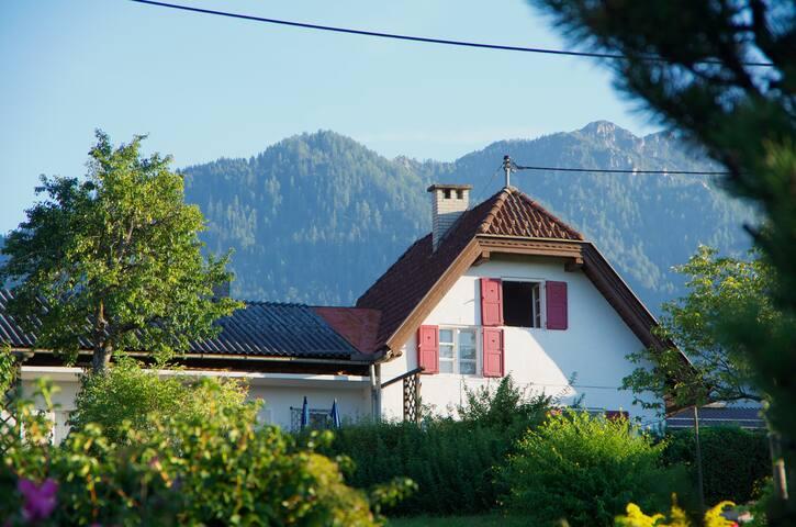 Knusperhäuschen in Seenähe - Ganzjahresparadies - Faak am See - Rumah