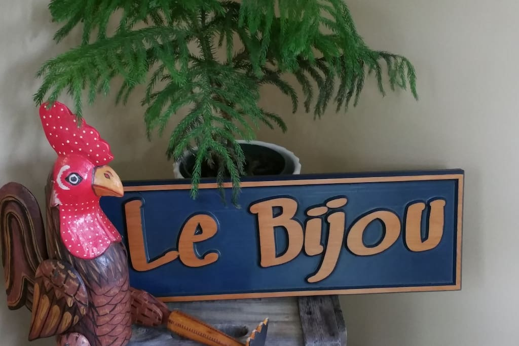 Welcome to Le Bijou