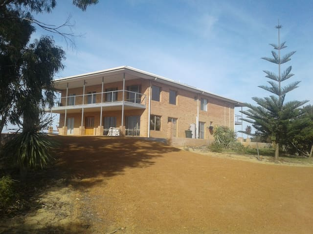 The Turquoise Coast Fishing Lodge Jurien Bay