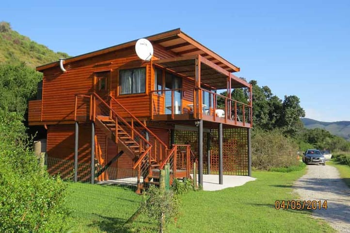 Brenton Eco-Cottage: Tranquility on Knysna Lagoon