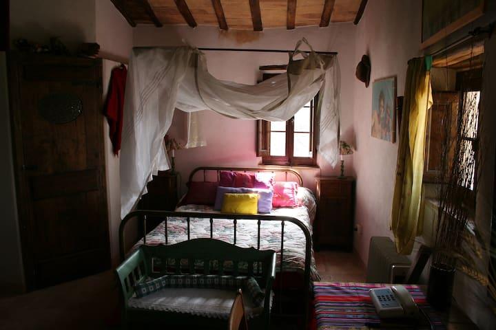 Camera da letto matrimoniale con bagno annesso