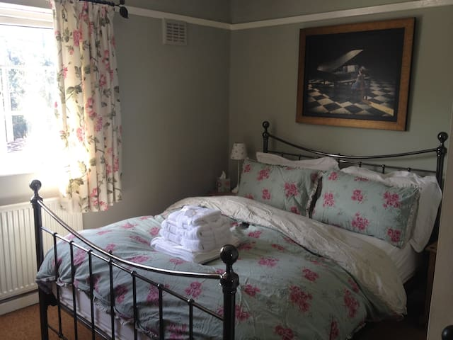 Double Room Rural North Norfolk Retreat