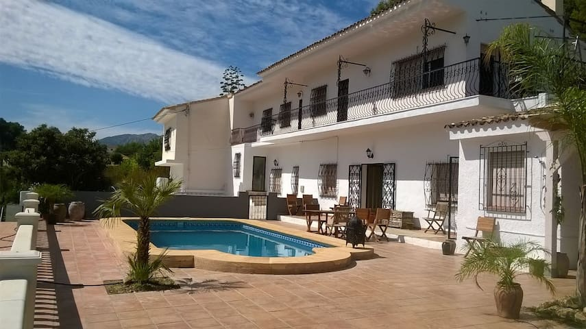 Spacious Villa in Parcent