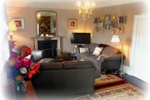 Very large shared living room with 3D TV. Not included in booking, but guests are welcome to use at the hosts discretion.