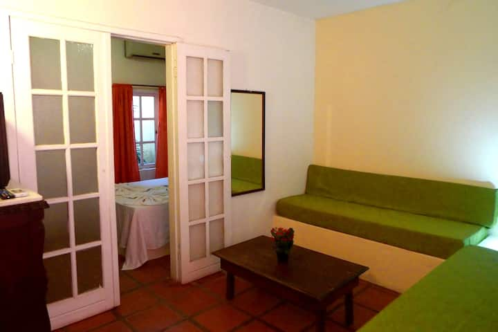 Cozy 2 rooms apartment central area Buzios. Aircon