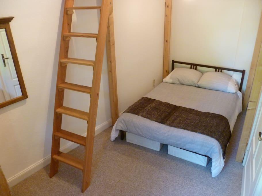 Room2: Bed # 1 - sleeps two