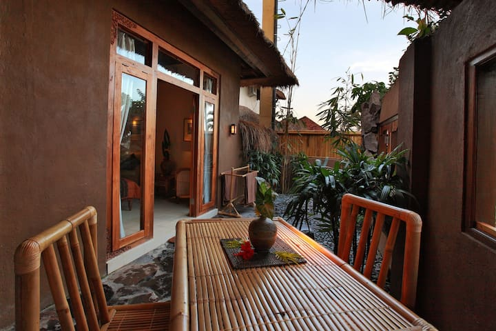Ubud ArtVilla- Hideaway with Views- All Hand Made