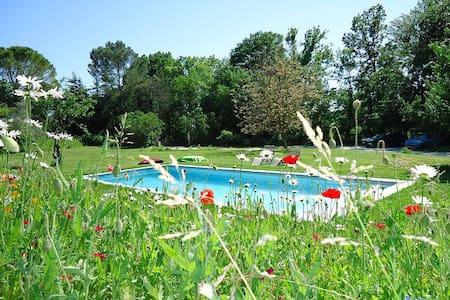 Gîte 90m2 avec terrasse et piscine - Villevieille